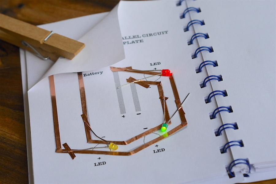 Schaltkreise aus Papier | Medien in die Schule